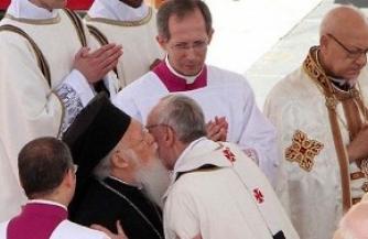 Удушающие объятия Ватикана