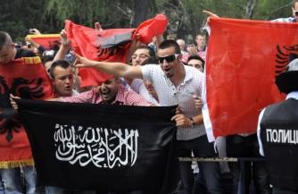 Радикализация Албании