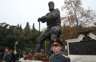 Трясучка от монархии по-русски