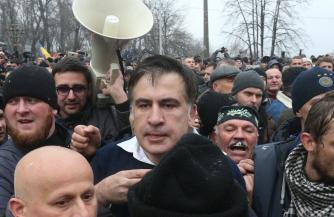 Кто оплачивает счета Саакашвили
