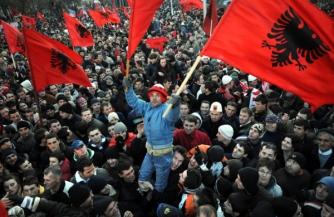 Македонию заглатывают