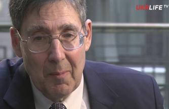 Экс-посол США обвиняет Красную армию