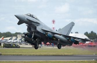 Самолет НАТО ударил ракетой по Эстонии