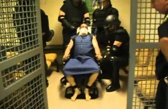 Изнасилования и пытки в тюрьмах США