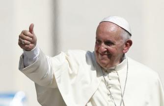 Папа благословляет палачей