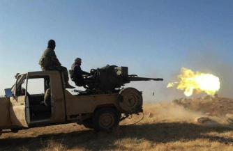 Колонна бронетехники САА подверглась нападению ИГ в Хомсе