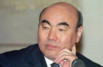 "Аскар Акаев опасается ""бархатной революции"""