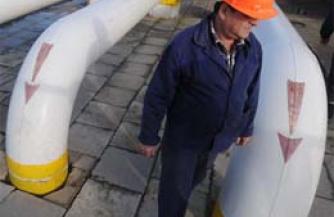 Узбеки перекрыли таджикам газ