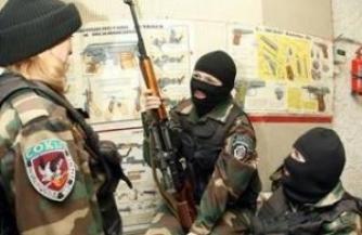 В центре Константиновки хунта разместила женщин-снайперов