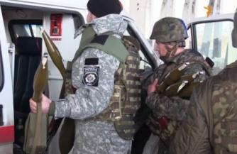 """Укронацисты используют """"Скорую помощь"""" для маскировки"""