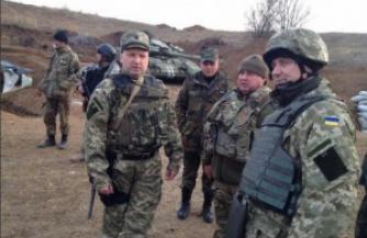 Александр Турчинов убежал из-под Волновахи